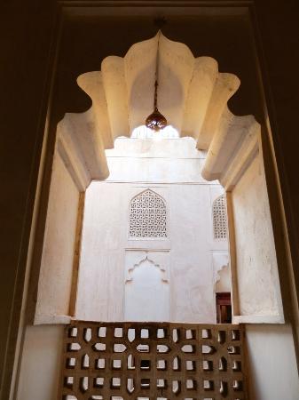 Jabrin Fort Photo
