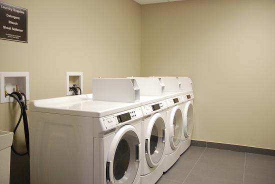 Fort Saskatchewan, Canadá: coin laundry