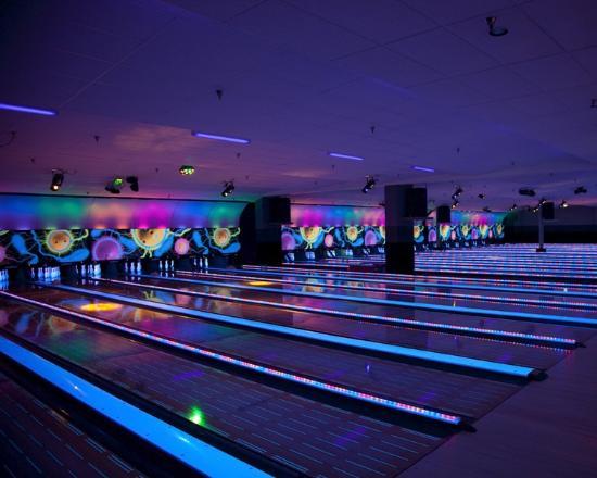 Sartell, MN: Xtreme Glow Bowling at Great River Bowl
