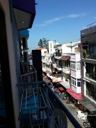 Sunshine Guest House Phuket Thailand: Хороший маленький отель. Постельное белье всегда свежее и чистое. Номера с балконами просторные,