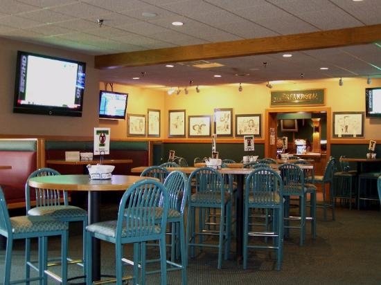 Sartell, MN: Partners Pub - The main dining, restaurant and bar area.