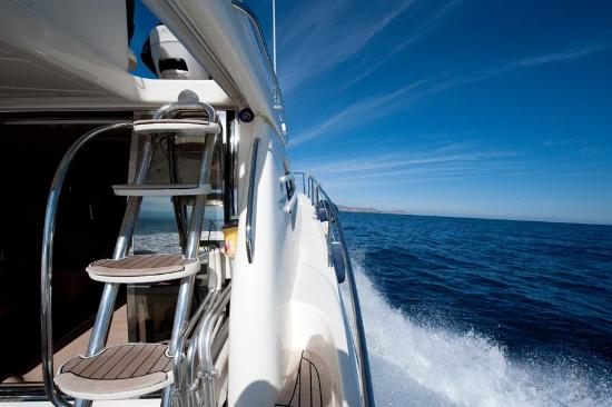 Турлос, Греция: Motor yacht Cruises