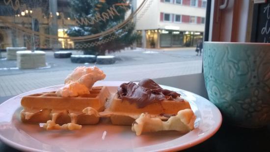 Clarion Hotel Gillet: Завтрак. Вафли.