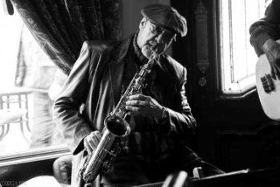 Bethel, État de New York : Live Jazz next door at the Dancing Cat Saloon with Brunch Every Sunday