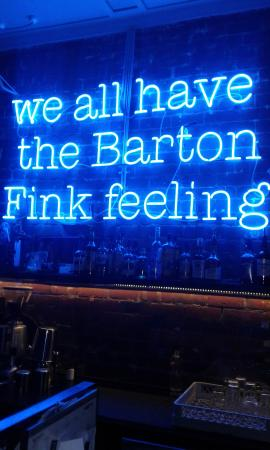 Thornbury, Australien: neon nights at Barton Fink