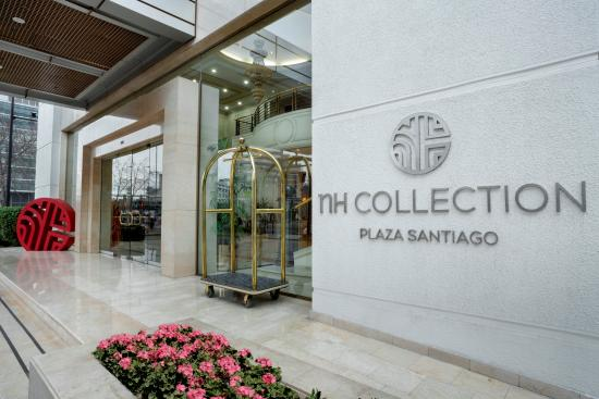 NH Collection Plaza Santiago: Acceso Principal