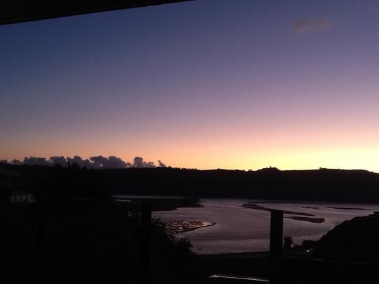 Overmeer Guest House : Zonsondergang vanaf het balkon