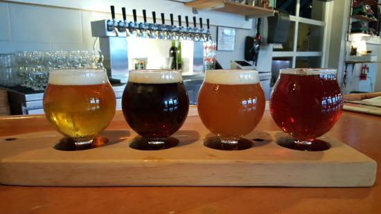 Spring Lake, MI: Beer Flight