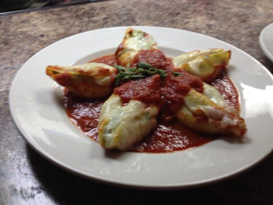 North Liberty, IA : Mirabito's Italian Restaurant