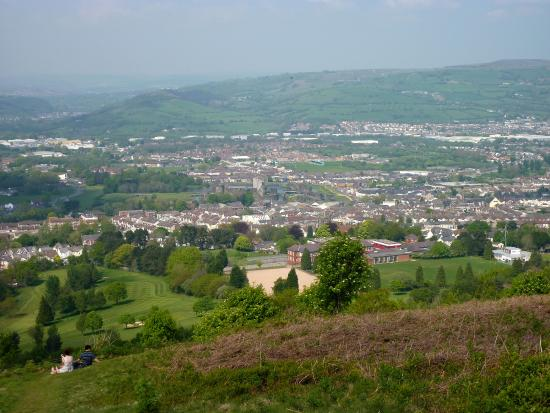 ‪Caerphilly Mountain‬