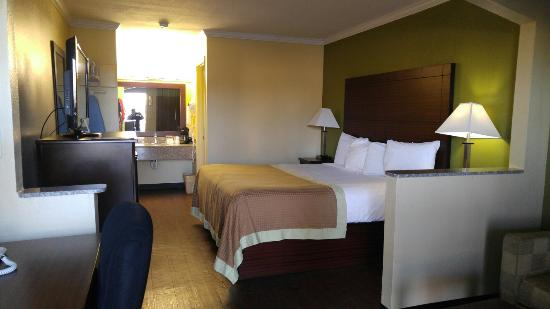 Winona, MS: One of best I have stayed in awhile...newly renovated,great customer service