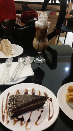 Тагуатинга: capuccino gelado... torta de nozes...