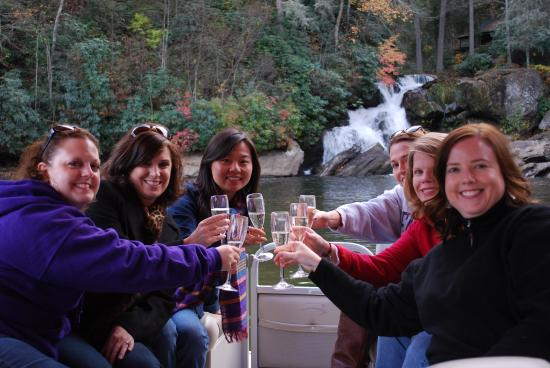 Innisfree Bed & Breakfast By-The-Lake: Champagne Cruise