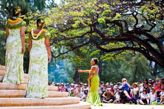 Honolulu, HI: Lei Day at Kapiolani Park