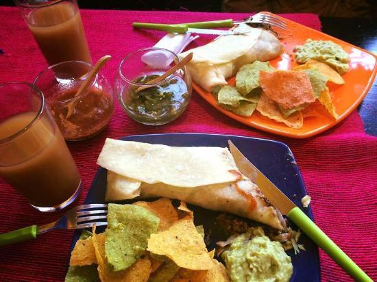 Pichincha Province, Ecuador: Deliciosos burritos y excelente servicio