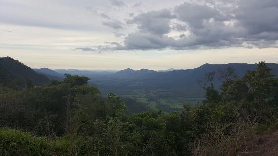 Eungella Mountain Edge Escape