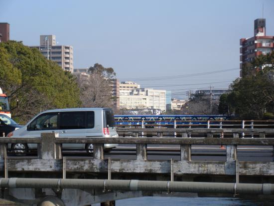 Ube, Japón: 真締川公園 国道190号線の宇部市役所前から、北方向2