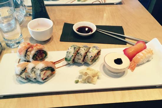 Sushi Taxi: 10 morceaux au choix du chef!