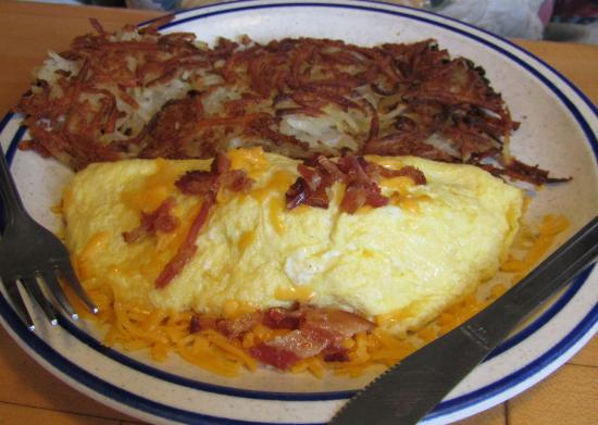 Grass Valley, CA: Omelete at Paulette's Country Kitchen