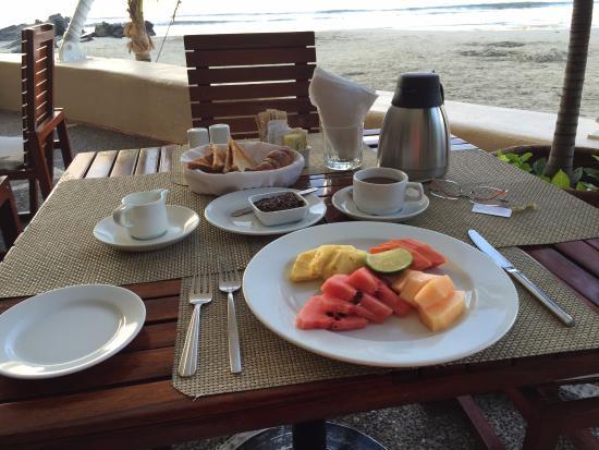 Aura del Mar Hotel: Breakfast from Brisas del Mar