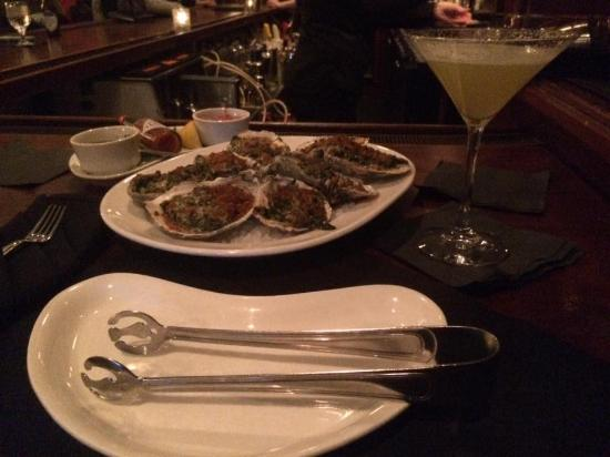 Frankie Rowland's Steakhouse: Oysters Rockefeller and Pineapple Martini