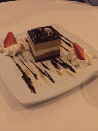 Mendenhall, Пенсильвания: Triple Chocolate Charlotte dessert