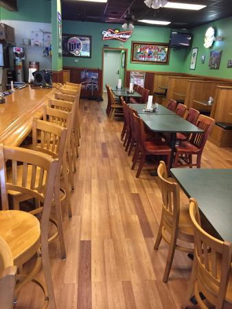 AJ's Pizza Pub