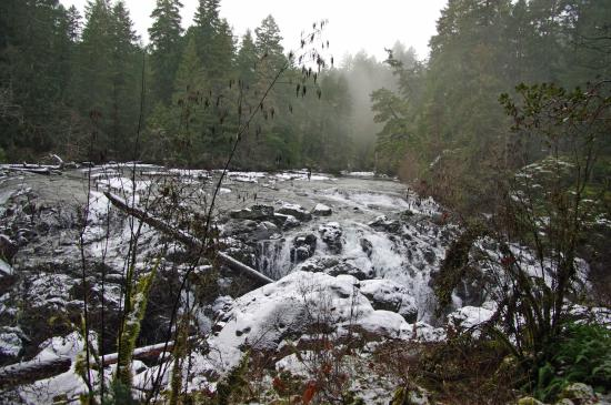 Nanaimo, Canadá: Upper falls in the winter