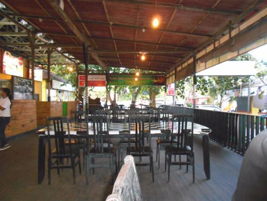 Kemala Beach: the food court