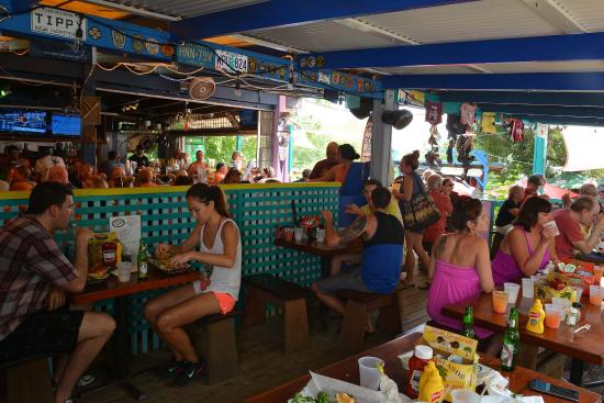 Coral Bay, سانت جون: Inside, in the bar and dining area.