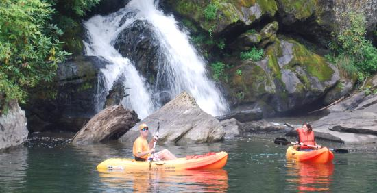 Glenville, Северная Каролина: Kayaking At Innisfree