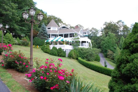 Innisfree Bed & Breakfast By-The-Lake