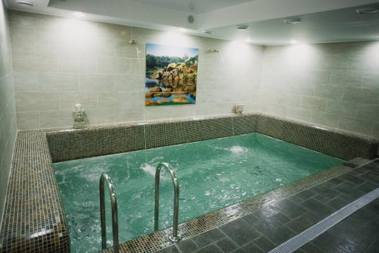 Oktyabrskaya hotel bewertungen fotos preisvergleich for Angebote swimmingpool