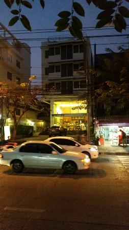 Loft 77 Hotel: 20160202_183934_large.jpg