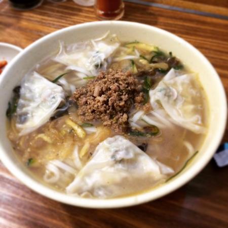 Myeongdong Kyoja Main Restaurant : カルグクス