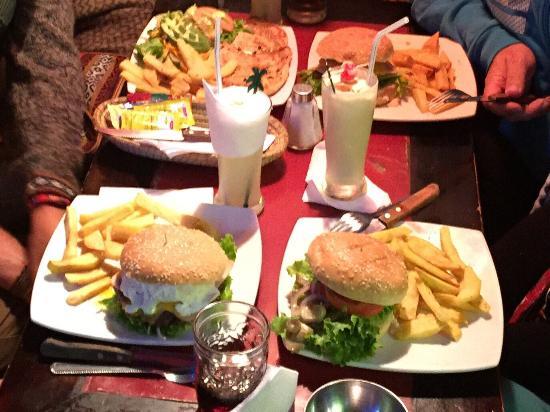 La Taberna Bar &Grill: photo0.jpg