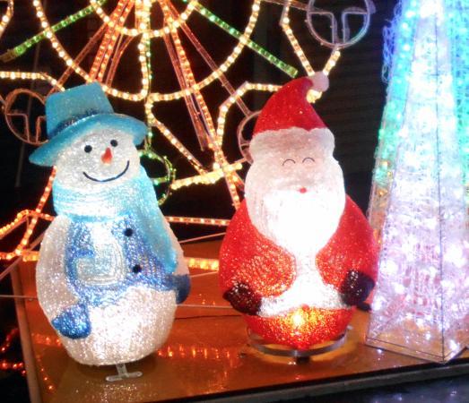 Kurume, Japan: クリスマスシーズンのベルモール商店街(2015年12月)