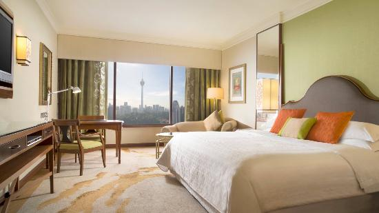 Sheraton Imperial Kuala Lumpur Hotel: Deluxe KL Tower view room