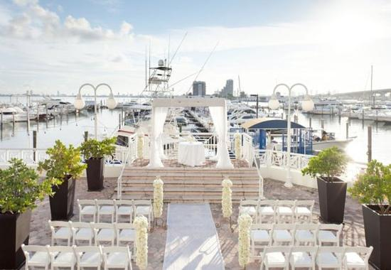 Miami Marriott Biscayne Bay: Bayfront Terrace Wedding Setup