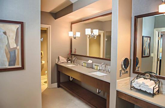 Modesto, Kalifornia: Presidential Suite Vanity