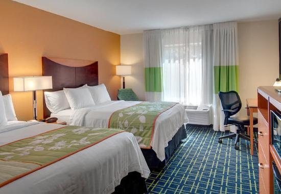 Fairfield Inn & Suites Seattle Bellevue/Redmond: Queen/Queen Guest Room