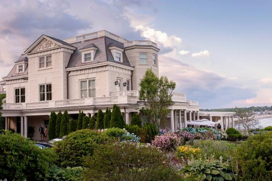 The Chanler at Cliff Walk: Exterior during afternoon