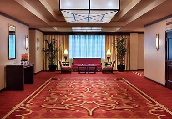 Trumbull, CT: Pre-Function Foyer