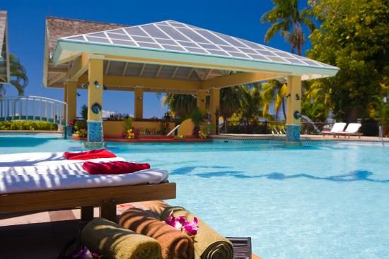 Sandals Negril Beach Resort & Spa: Pool