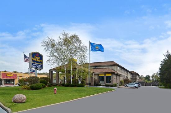 Photo of BEST WESTERN Ambassador Inn & Suites Wisconsin Dells
