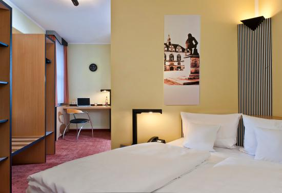 TRYP by Wyndham Halle: Business room