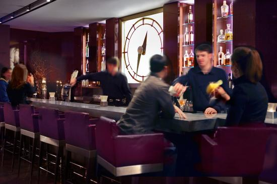 Sofitel Chicago Magnificent Mile: Bar