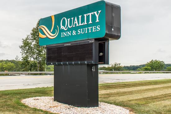 Quality Inn & Suites Indiana: Exterior