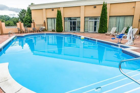 Indiana, PA: Pool