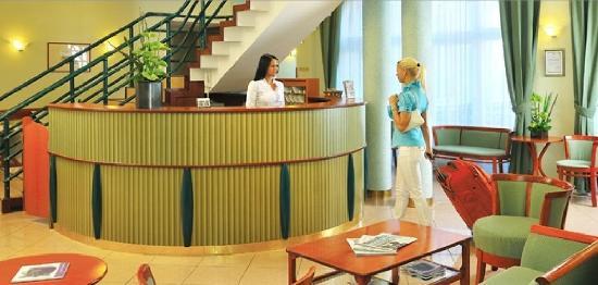 Baross City Hotel: Lobby